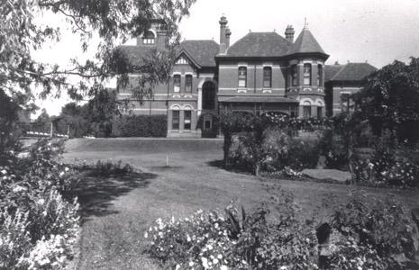 http://web02.wyndham.vic.gov.au:80/hipres/images/local_history/146.jpg