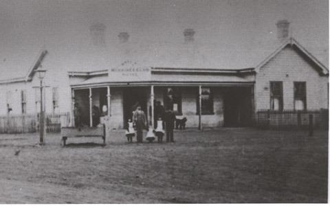 http://web02.wyndham.vic.gov.au:80/hipres/images/local_history/235.jpg