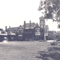 http://web02.wyndham.vic.gov.au:80/hipres/images/local_history/337.jpg