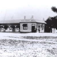 http://web02.wyndham.vic.gov.au:80/hipres/images/local_history/43.jpg