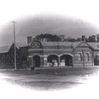 http://web02.wyndham.vic.gov.au:80/hipres/images/local_history/3.jpg