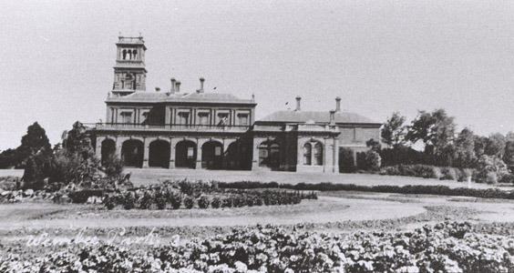 http://web02.wyndham.vic.gov.au:80/hipres/images/local_history/240.jpg