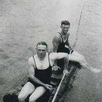 Horrie and Eric Davis on the river at Hackets 1928.jpg